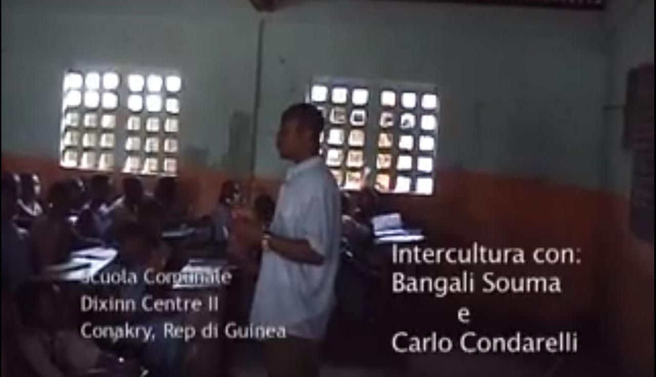 Lezione durante il gemellaggio con la scuola della Guinee Conakry